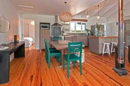 Holiday Apartments - Moon River House