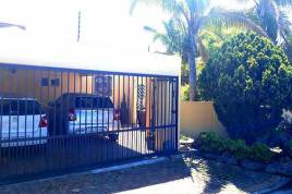 Durbanville Accommodation - The Guest Company - Creative Family Home