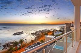 Holiday Apartments - Cape Nights Villa