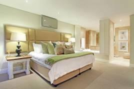 Clifton Accommodation - Villa Larimar