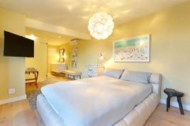 Clifton Accommodation -  - Dali House