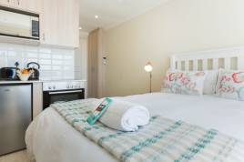 Accommodation in Cape Town - Vesper Apartments - Studio Apartment 1