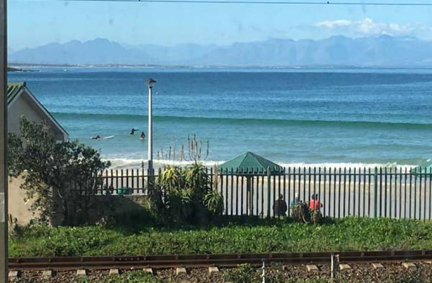 On The Beach Apartment In Fish Hoek