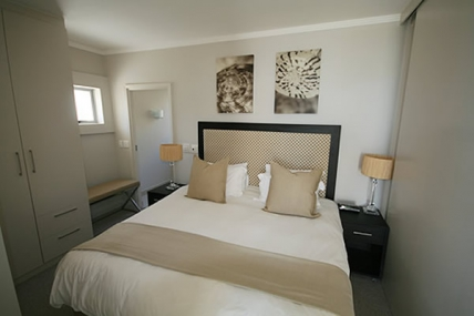 Holiday in Camps Bay - - The Crystal Apartments