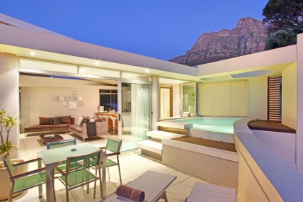 Holiday in Camps Bay - - Lions View - 2 Bedroom Penthouse