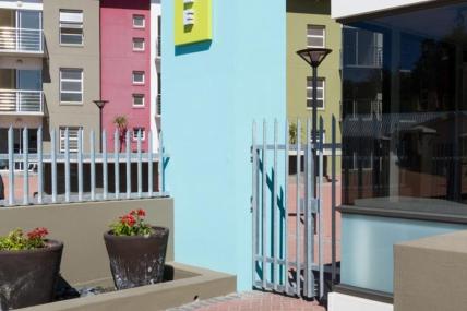 Holiday Apartments - QT - Studio Apartment