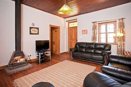 Holiday Apartments - Bushman Cottage