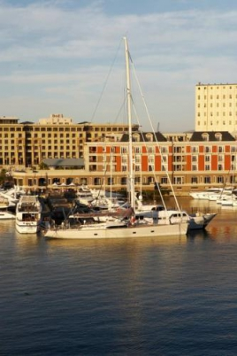 Cape Town Waterfront Accommodation - Pembroke 403