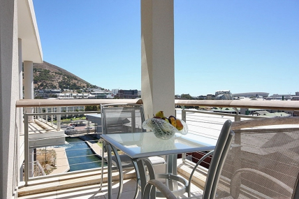 Cape Town Waterfront Accommodation - 702 Canal Quays