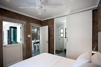 Holiday Apartments - Blaauw Cottage