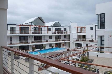 Bloubergstrand Self Catering - Azure Beach Apartment
