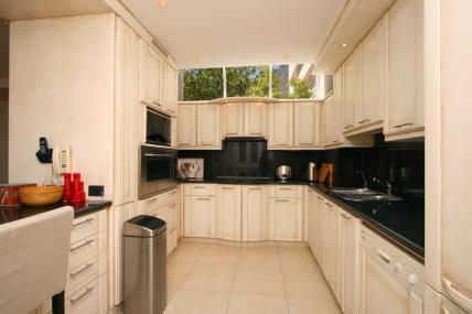 Holiday Apartments - Tree Rd Villa