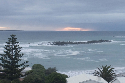 Bloubergstrand Self Catering - Blaauw Village Guesthouse