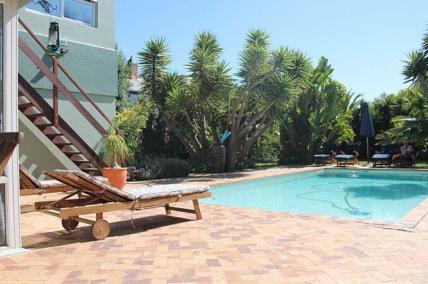Bloubergstrand Self Catering - Secret Garden - Strelitza Luxury Apartment